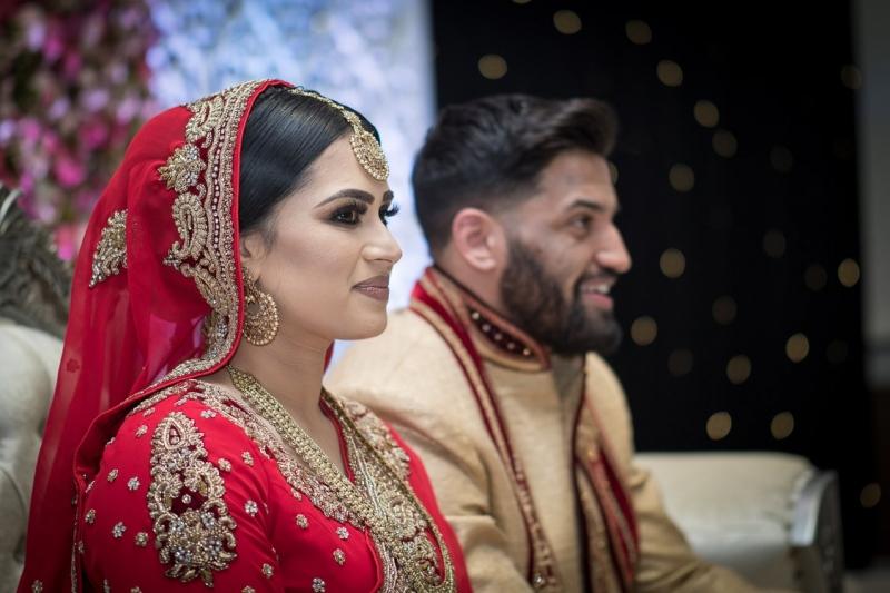 venue-central-luton-bride-groom-on-stage-nikah