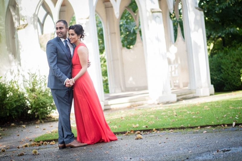 asian-wedding-portrait-painshill-park-indian-couple