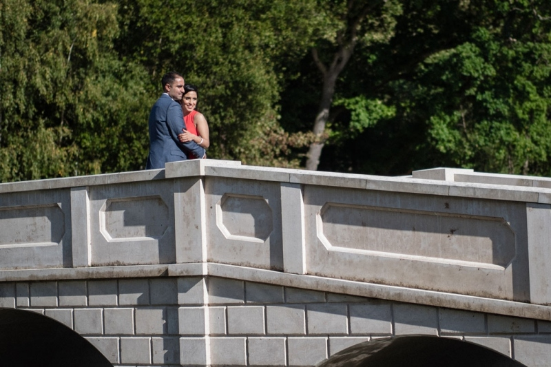 wedding-couple-photo-on-bridge-painshill-park-surrey-cobham