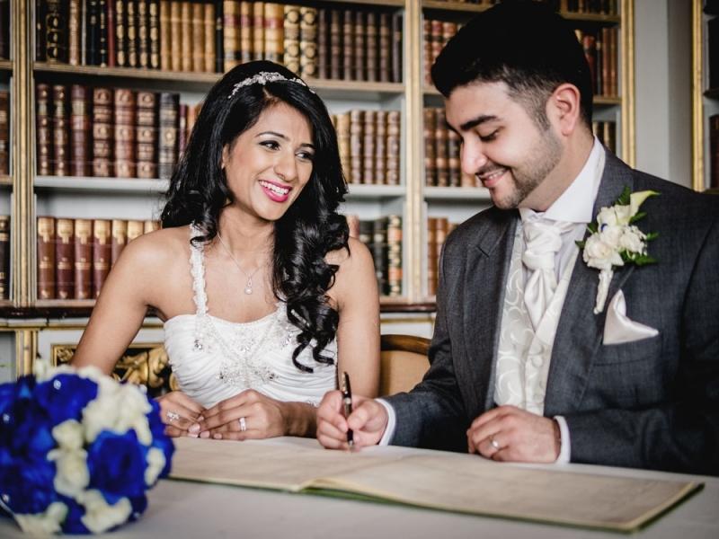 wrest-park-wedding-couple-civil-ceremony