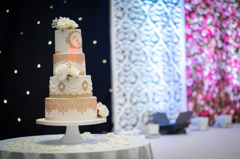 venue-central-luton-cake