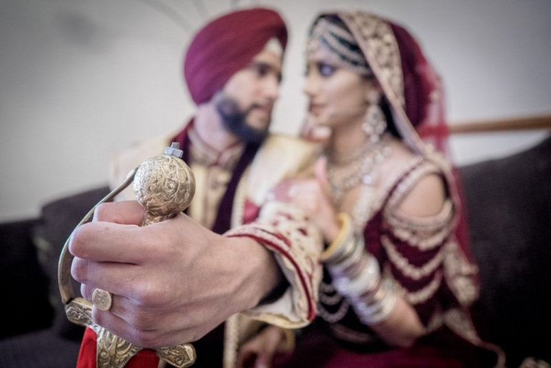 sikh-wedding-reading-1024x683