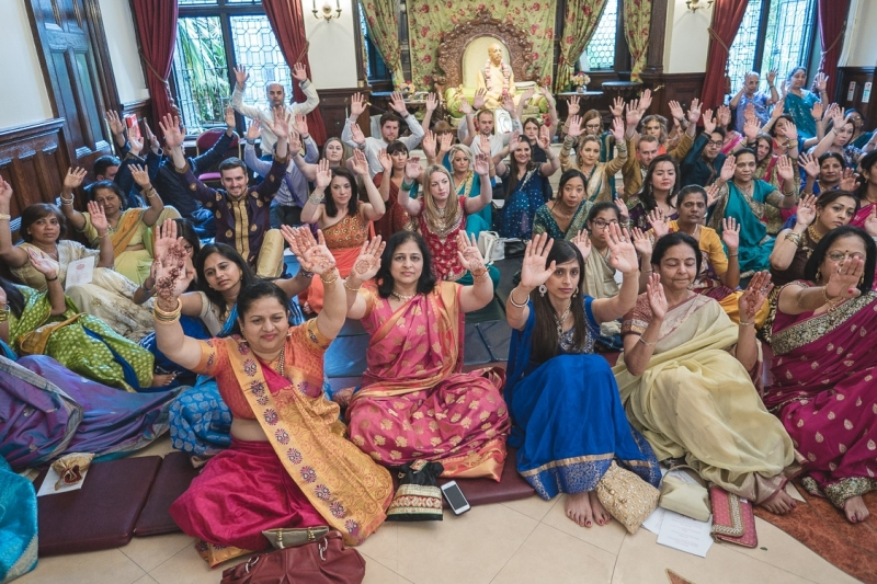 indian-wedding-ceremony-watford-temple