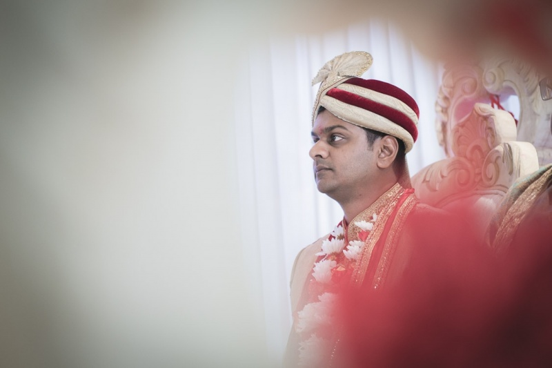 groom-in-mandap-stanmore-temple