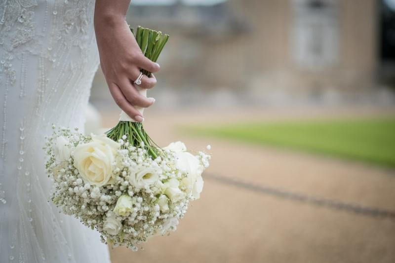 asian-bride-wedding-bouquet