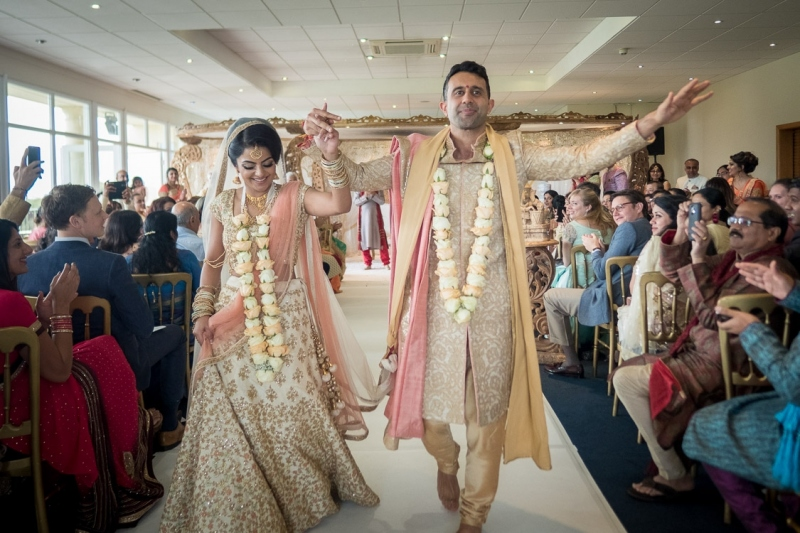 asian-bride-groom-dancing